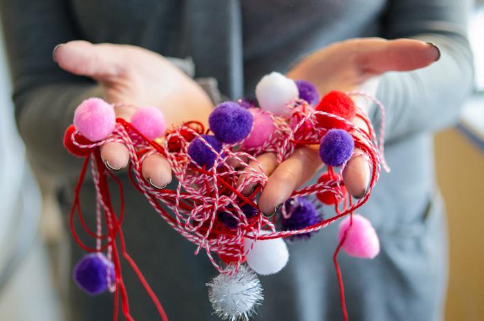 DIY Valentines Pom Pom Garland