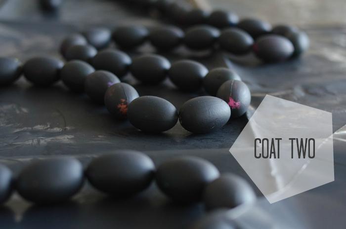 DIY Black and Gold Mini Easter Egg Garland - lemonthistle.com