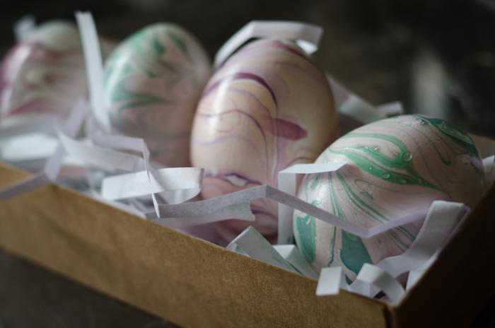 DIY Pastel Marbled Easter Eggs - lemonthistle.com