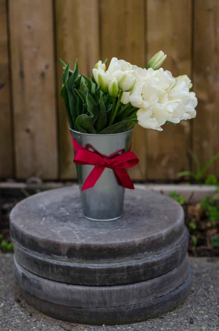 DIY Tulip Arrangement for Spring - lemonthistle.com
