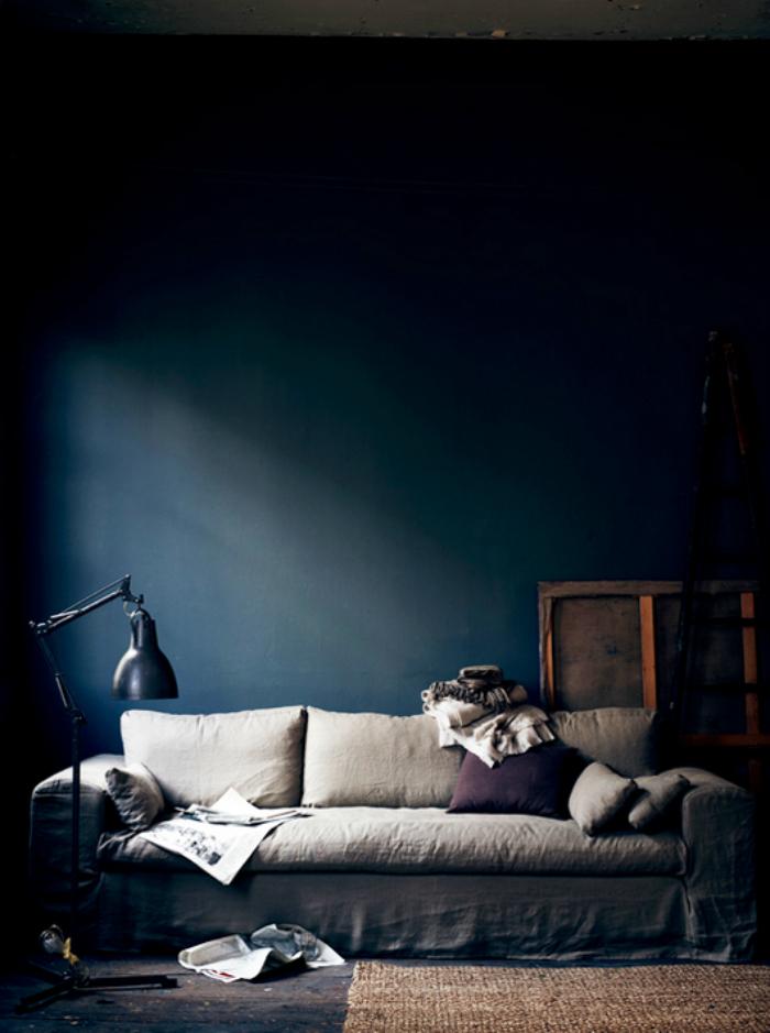 Master Bedroom Inspiration: Navy Walls - lemonthistle.com