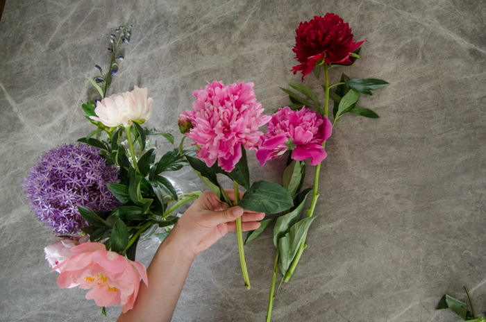 DIY Spring Floral Arrangement - lemonthistle.com