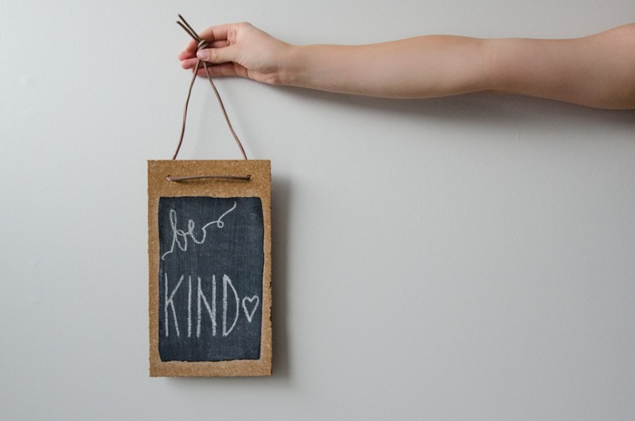 DIY Cork Chalkboard - lemonthistle.com