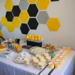 Love the way this looks! DIY First Beeday Party