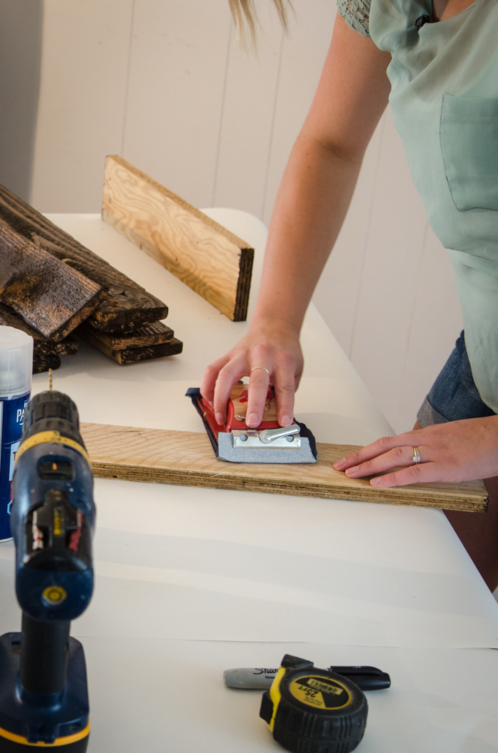 Great detailed how to video- DIY Rustic Towel Rack from Free Pallet Wood