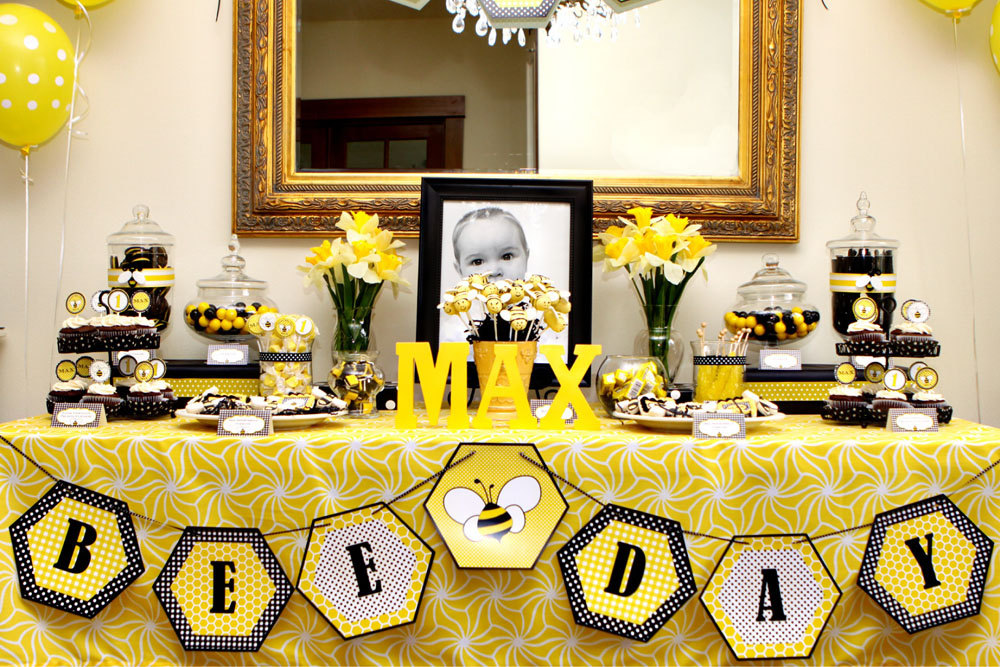 Fun theme! Beeday party inspiration
