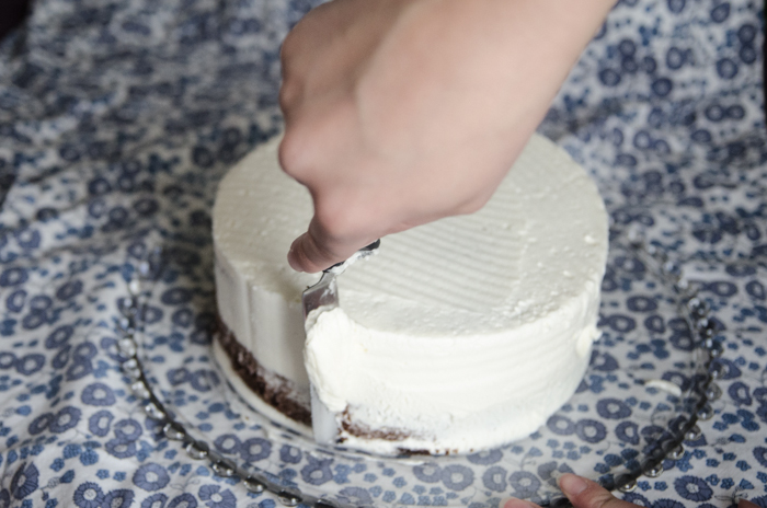 DIY 'Naked' Grocery Store Cake Makeover