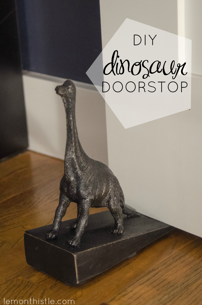 How cute is this! DIY Dinosaur Doorstop (an Anthro knock-off)