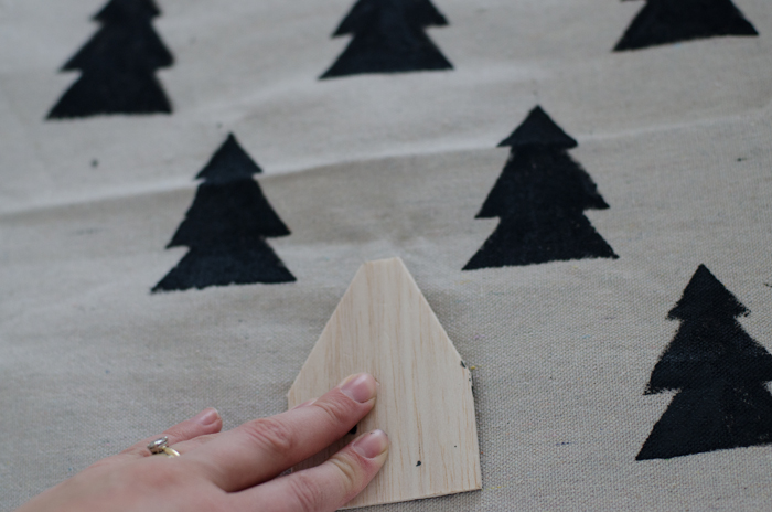 DIY Hand Stamped Holiday Tree Pillow Slip Cover (Love a Scandi Christmas!)
