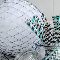 DIY Colour Edged Honeycomb Party Balls- So fun!