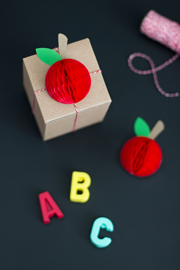 Honeycomb Apple Gift Topper for Teacher Appreciation Day | like-the-cheese.com for Lemon Thistle