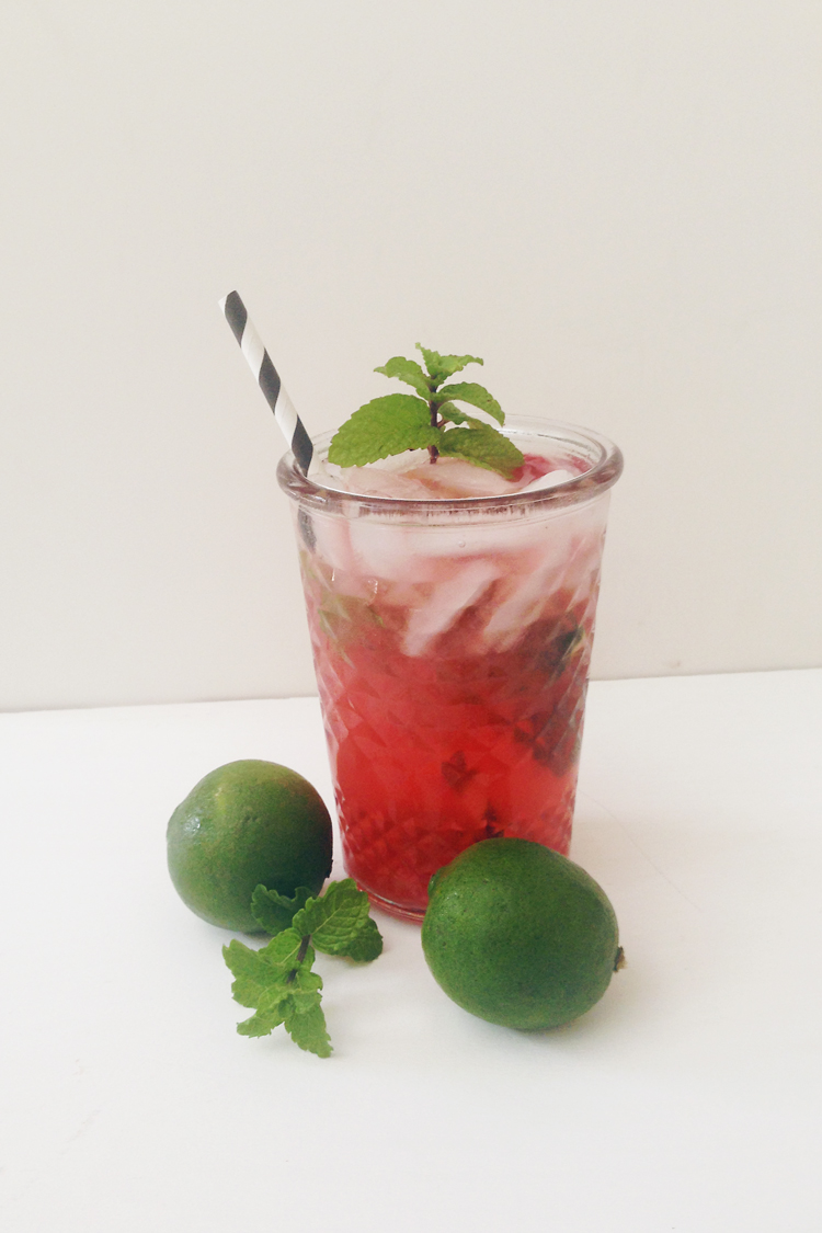 Refreshing Raspberry Mojito Recipe