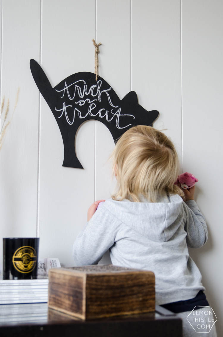 DIY Trick or Treat! Cat Chalkboard Decor for Halloween