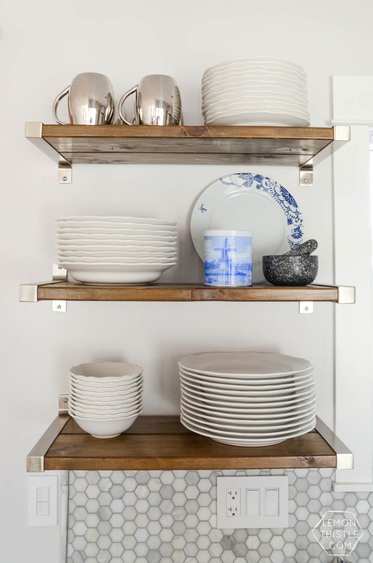 How I organize my open shelving in the kitchen for function and to look pretty
