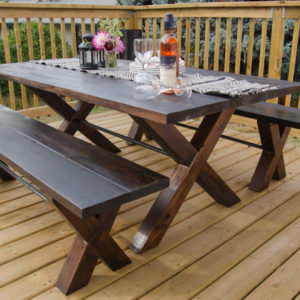 diy-x-leg-patio-table-with-pipe-trestle