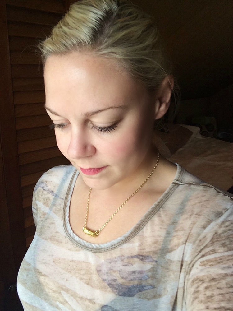 bolt necklace diy- such a fun gift idea!