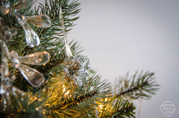 DIY precious gem ornaments- glitzy but natural, perfect Christmas decor!