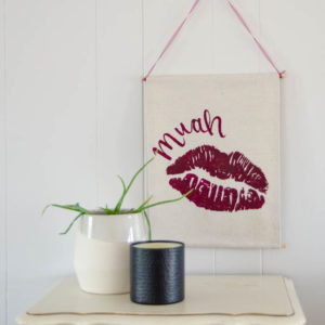 Muah! Cheeky DIY Valentine's Day Wall Hanging