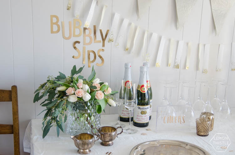 A Champagne Birthday Party! Such a fun theme and I love how simple it is to decorate with these DIYs