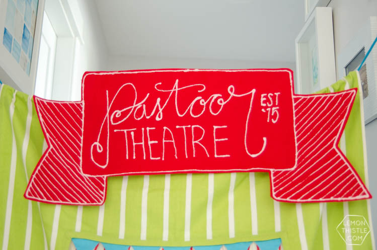 DIY Felt Sign- So fun for a puppet theatre!