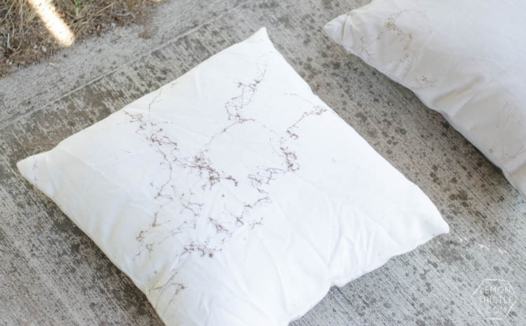 These look so awesome! And only 5 minutes is my kind of craft. DIY Gold Marbled Throw Pillows