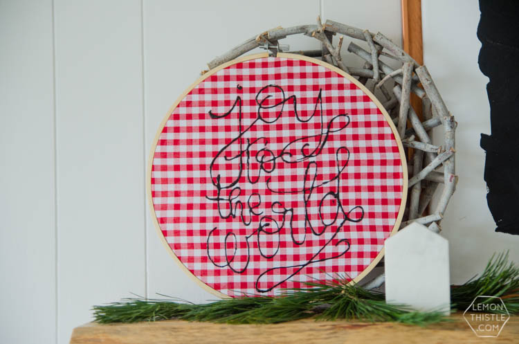 DIY foiled holiday decor... I love this checkered embroidery hoop! Such a nice pop of plaid for Christmas