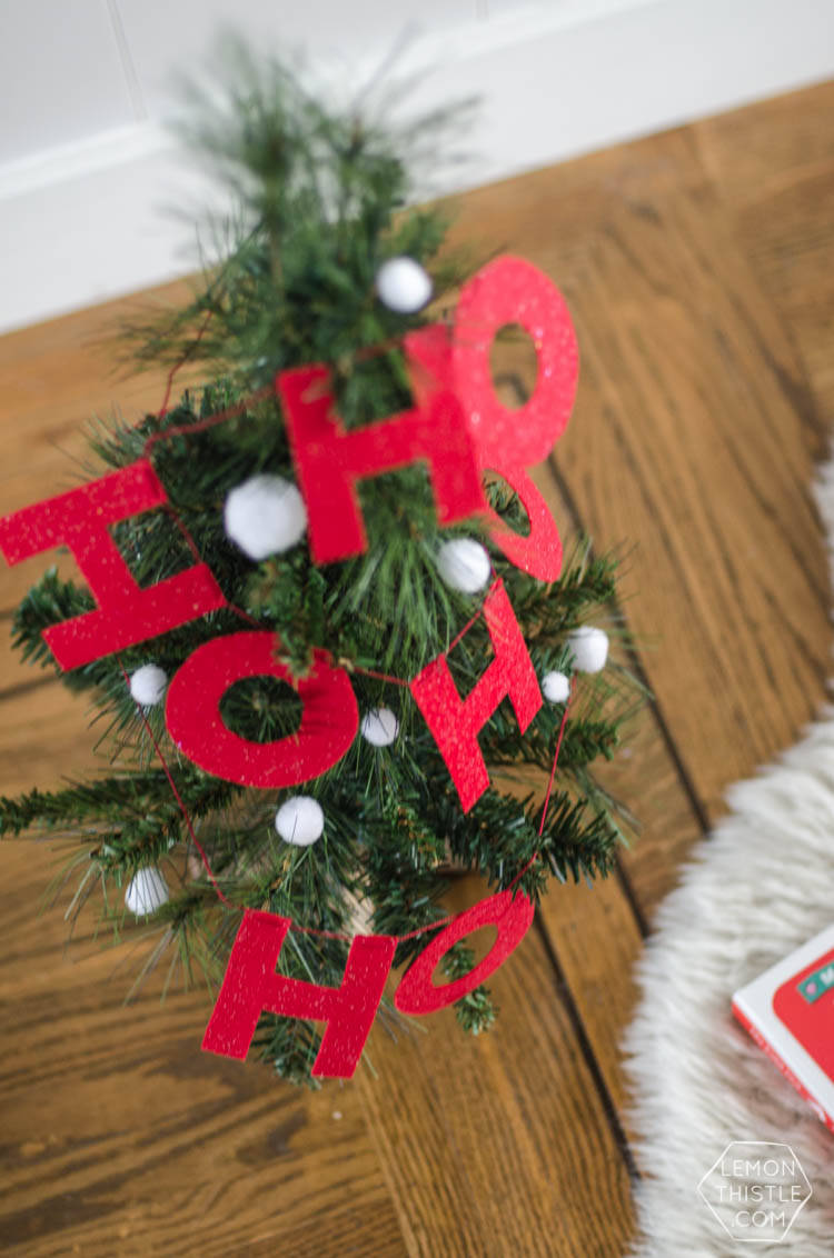 I love this DIY Christmas garland The