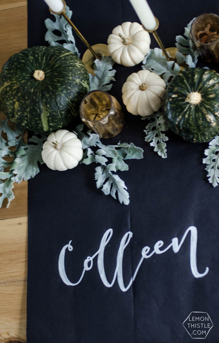 Chalkboard and natural autumn tablescape- so beautiful for a thanksgiving table