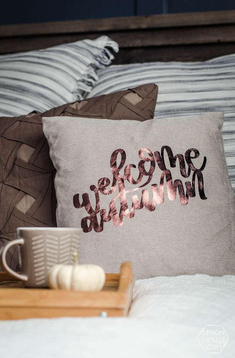 DIY Welcome Autumn Pillow- I love the hand lettered design on this one! And that foil is dreamy.