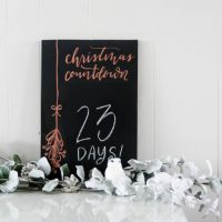 DIY Christmas Countdown Chalkboard with Copper Leafing- love that copper detail!