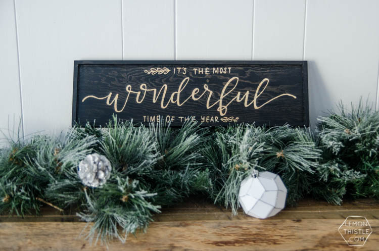 DIY Holiday Wooden Sign... I love this stain relief technique!