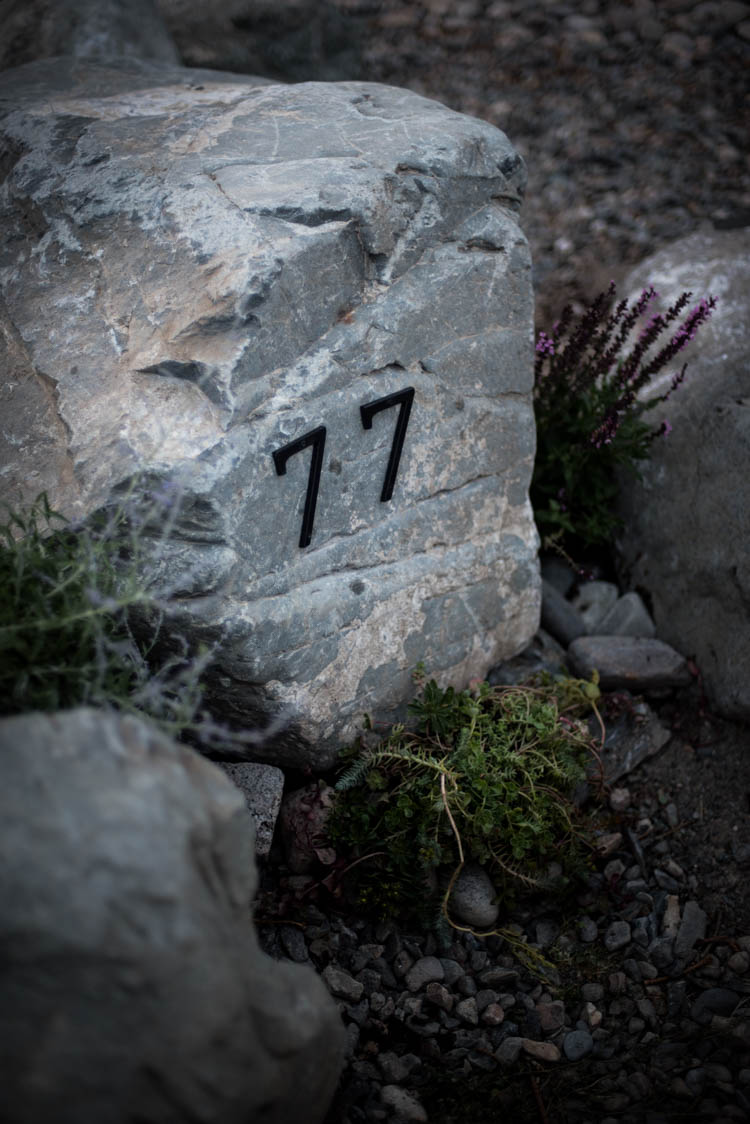 DIY Modern Address Rock for Curb Appeal / How to drill into rock