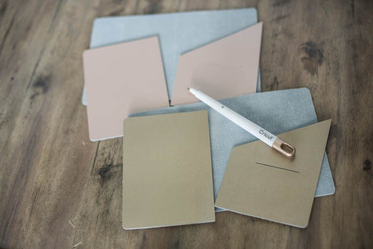 Scoring tool for leather fold lines