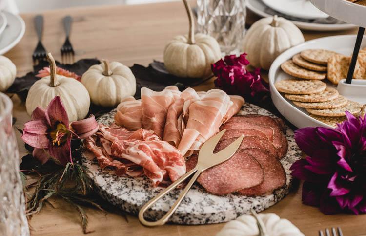 Autumn Entertaining- setting a modern table