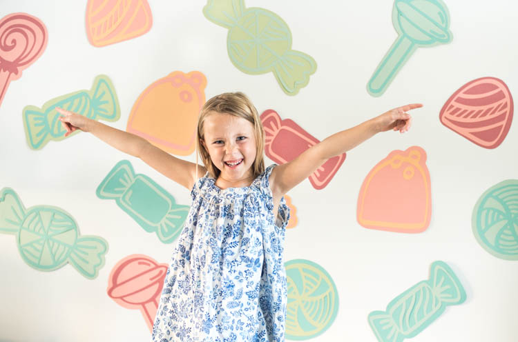 Candies! DIY Party Backdrop