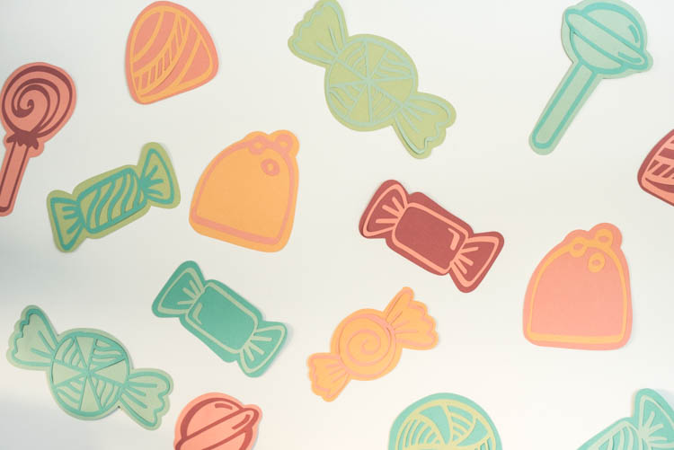 Candies! DIY Party Backdrop out of paper with the cricut