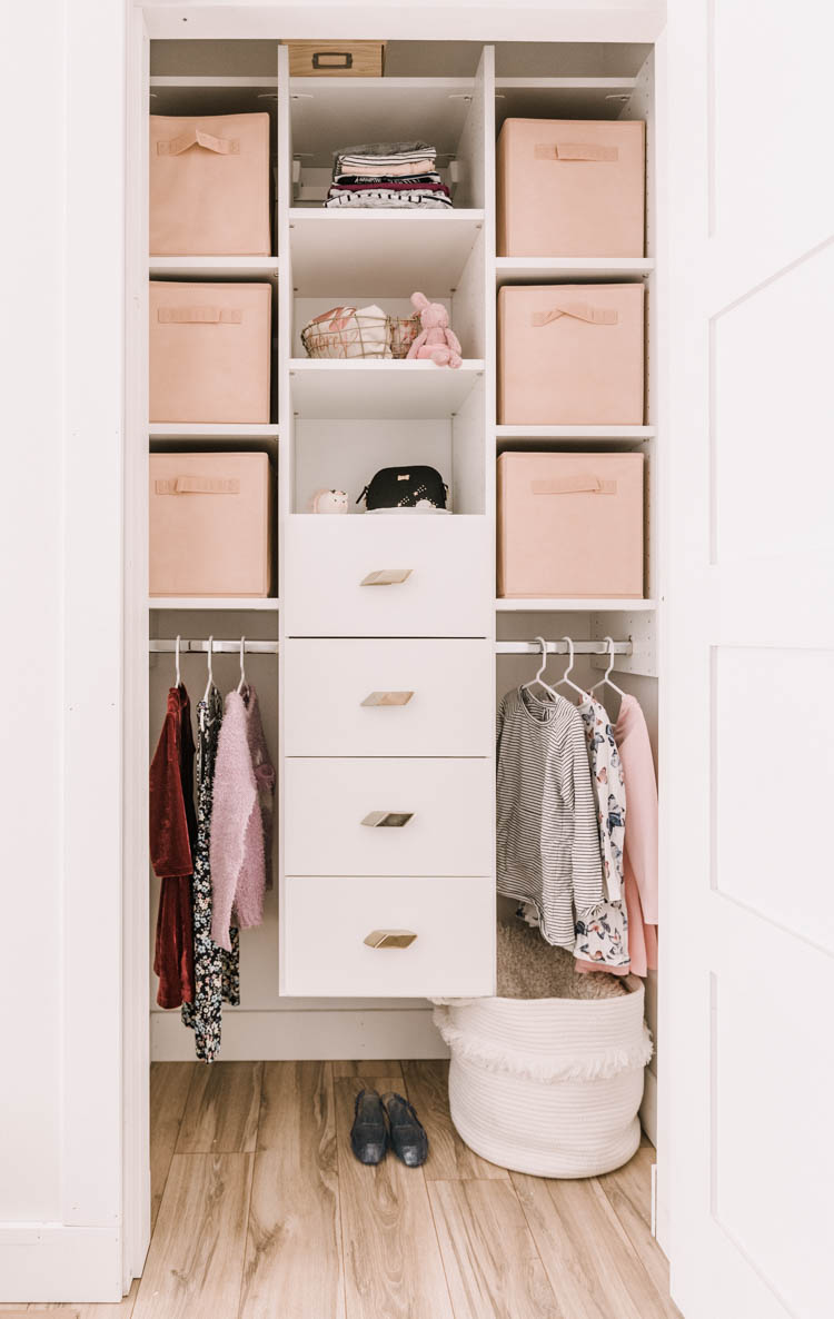 Such a pretty girls closet! PLUS all about Designing kids closets that grow with them