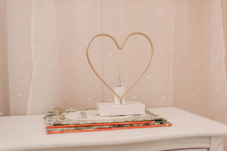 such a cute little heart lamp for a girls room!