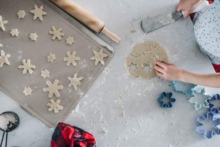 Holiday Baking with Kids- my tips to make it less stressful!