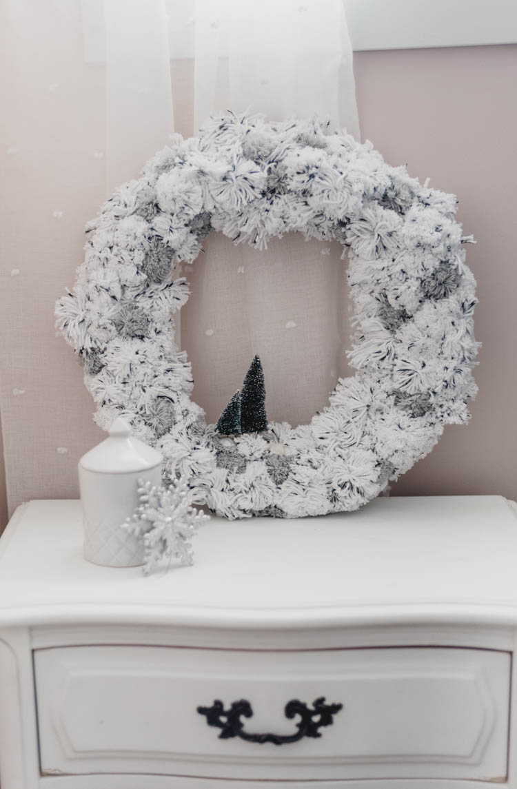 Pom Pom Wreath for a little girls bedroom