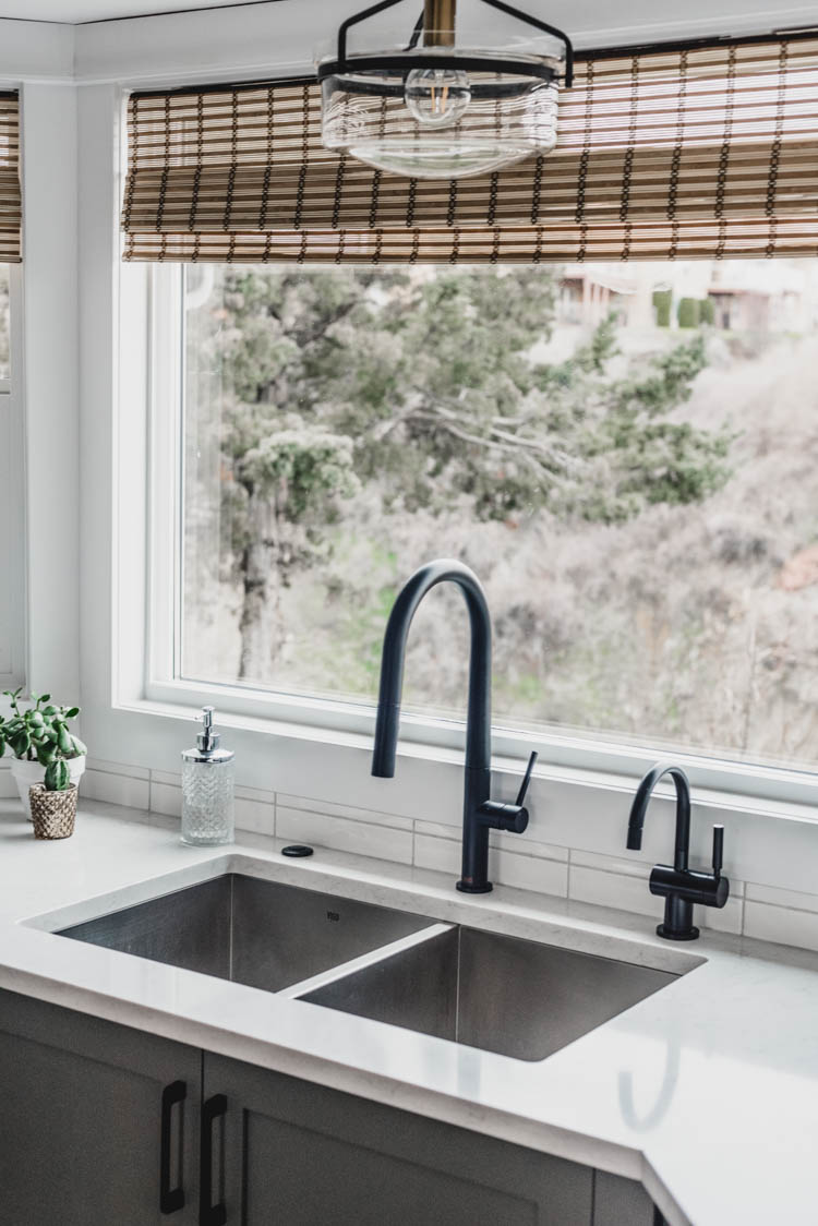 Love the undermount sink with the matte black faucets