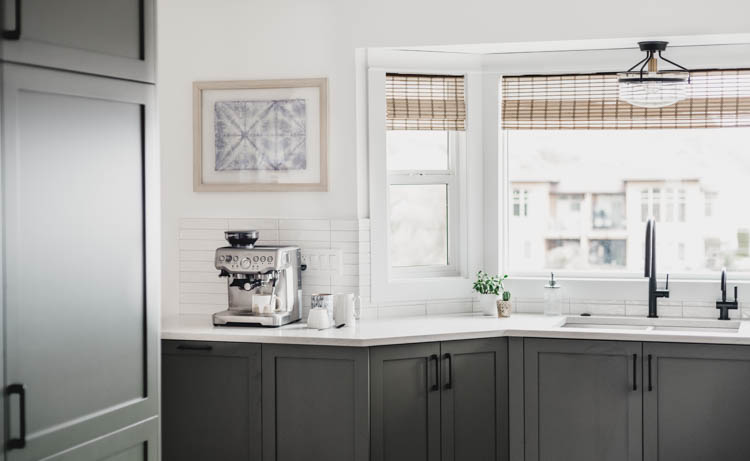 Love that little coffee bar area- in our dream kitchen!