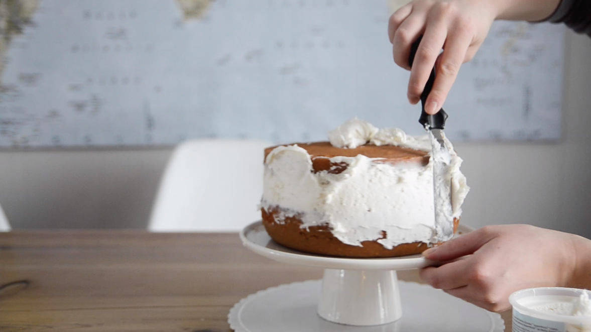 Tips to ice a cake