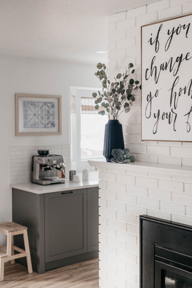 Spring home tour full of fresh greenery, bright whites and warm wood details.