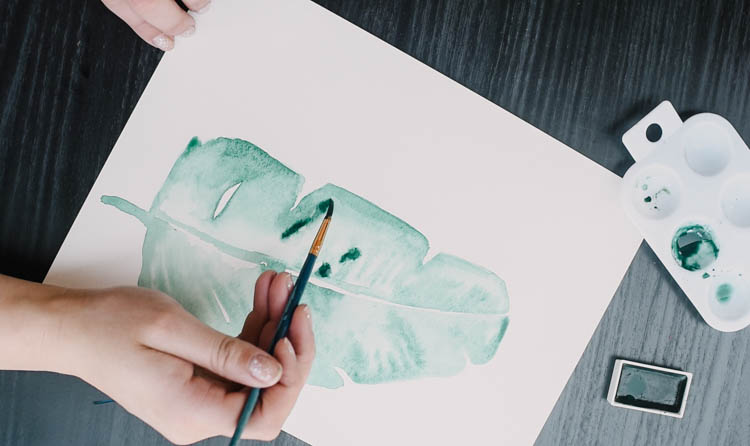 Simple Watercolor leaves tutorial- love how modern and easy this art is!