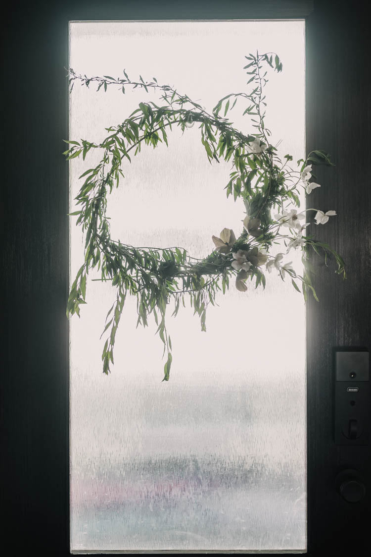DIY Summer wreath made from garden clippings