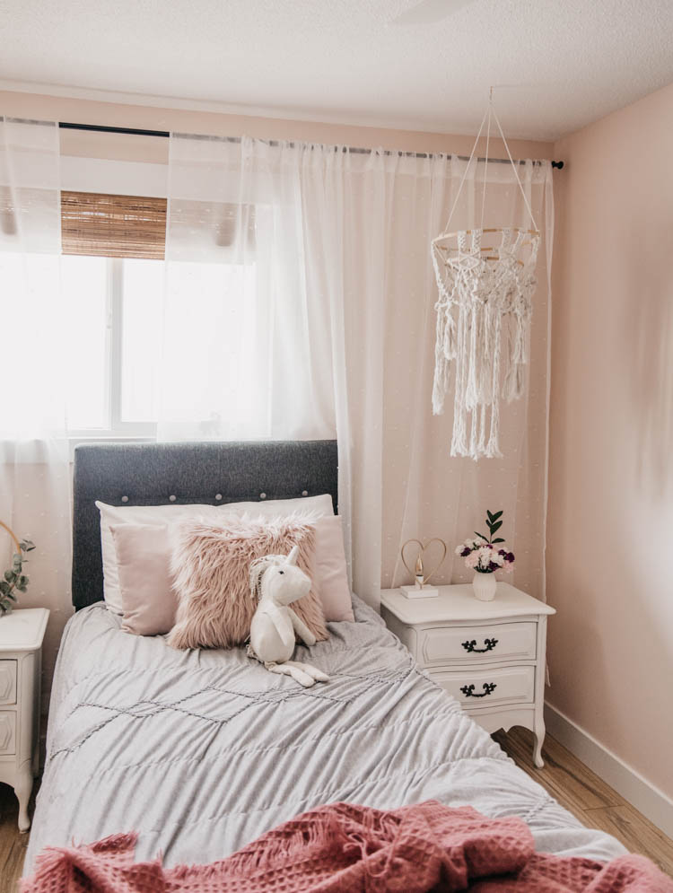 Little girls bedroom with touches of summer decor