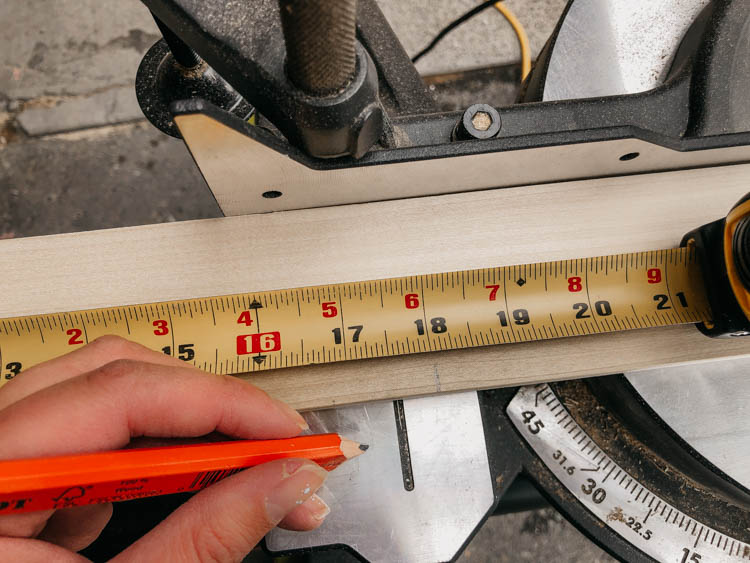 Measure and cut 1x3 on a mitre saw