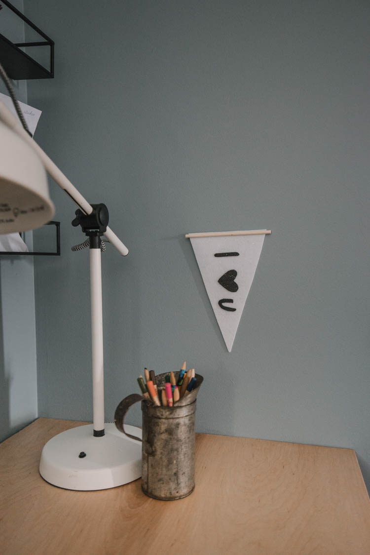 Mini Felt Pennant- love the dowel hanger!