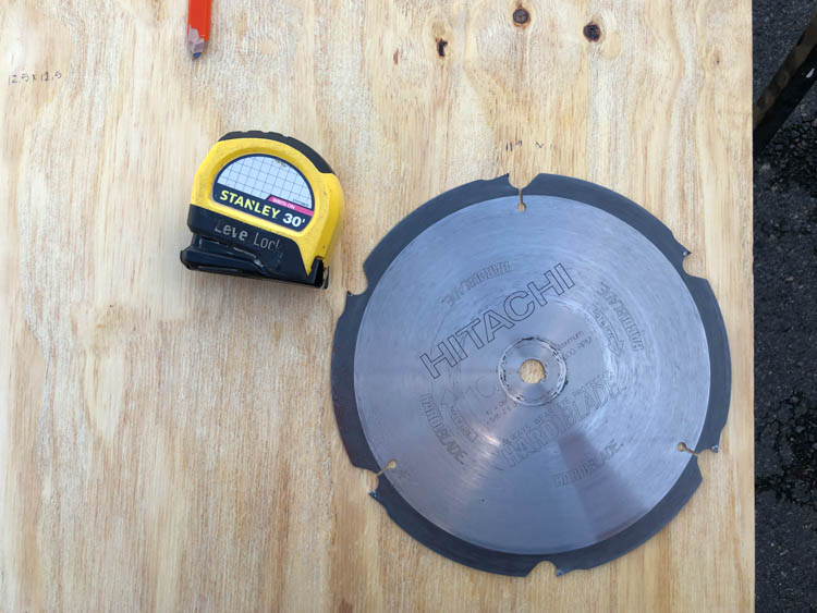 How to build a saw blade storage box, step by step instructions and free plans
